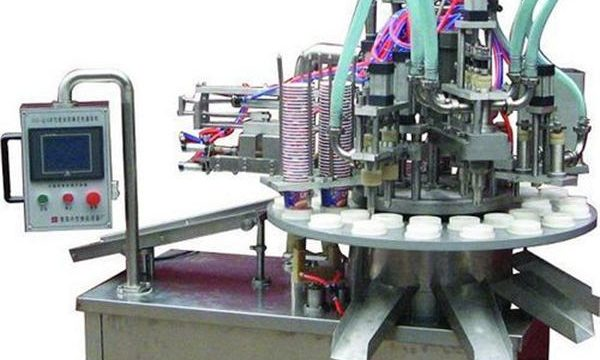 Riempitrice automatica per pomata / crema cosmetica