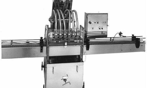 Riempitrice di olio vegetale a pistone controllata da PLC